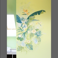 kwiaty malowane na ścianie